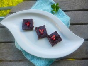 Raw Vegan Detox, Brownie squares