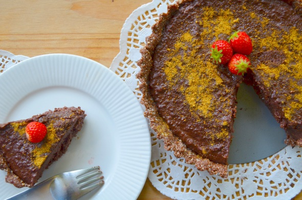Raw food mocha torte with cacao and almond pastry